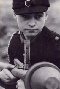 Nastoletni żołnierz Volkssturmu, jesień 1944 r.